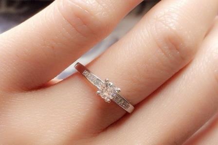 戒指的戴法和意义是什么?女生戴戒指左右手区别是什么?